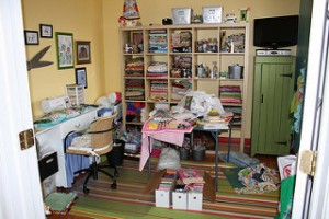clutter, cluttered room, decluttering, organizing, top austin realtor, austin texas real estate agent