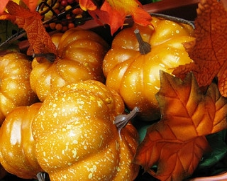 small pumpkins with fall leaves, pumpkins, fall decorating ideas, decorating for fall, fall decorating ideas for your home, austin texas real estate, real estate austin, austin, real estate, realtors austin, top realtors austin
