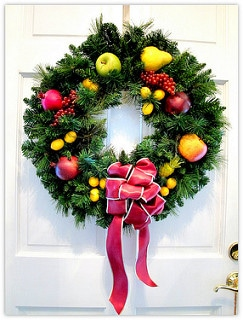 christmas wreath on front door, listing your home during the holidays, selling your home during the holidays, sherri williams realtor, keller williams realty, top austin realtor